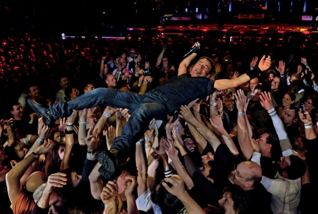 Springsteen does a little crowd surfing