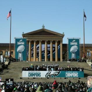 Eagles_Super_Bowl_LII_Parade_Art_Museum_Steps_-_AAUZ229_800x